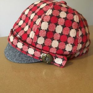 Accessories - This hat can make your fall outfit!